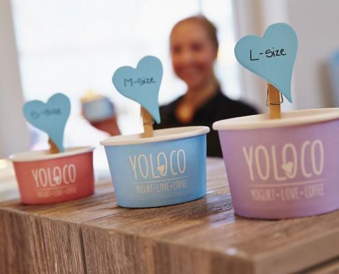 YOLOCO Frozen Yogurt in klein, mittel und groß